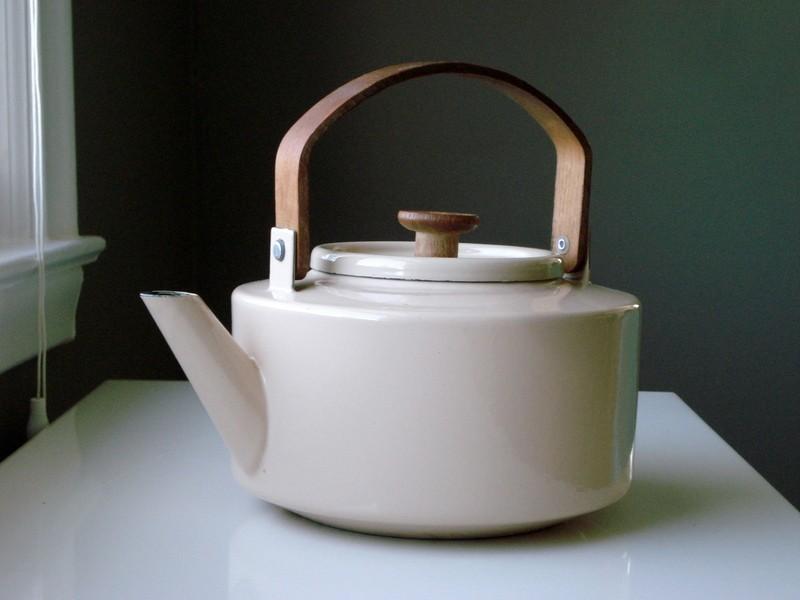 Kolorowe czajniki emaliowane – jaki wybrać?