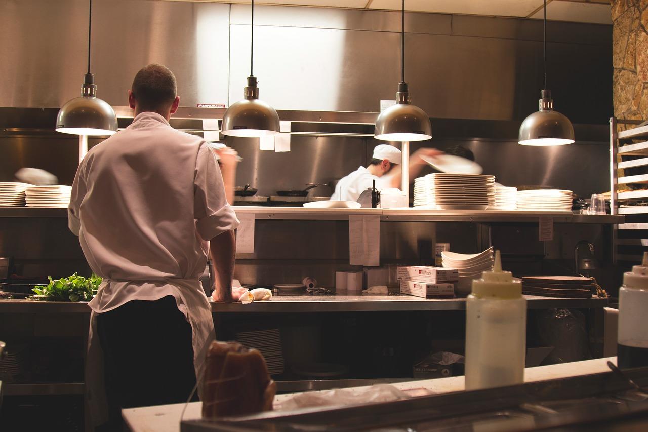 Charakter restauracji a sprzęt gastronomiczny